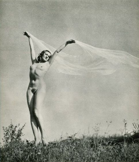 Outdoor nude (1967)